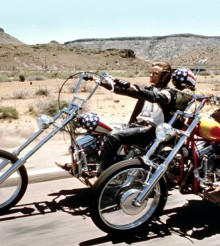 La moto de 'Buscando mi destino' saldrá a subasta
