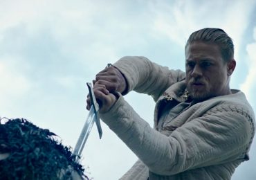 rey-arturo-la-leyenda-de-excalibur